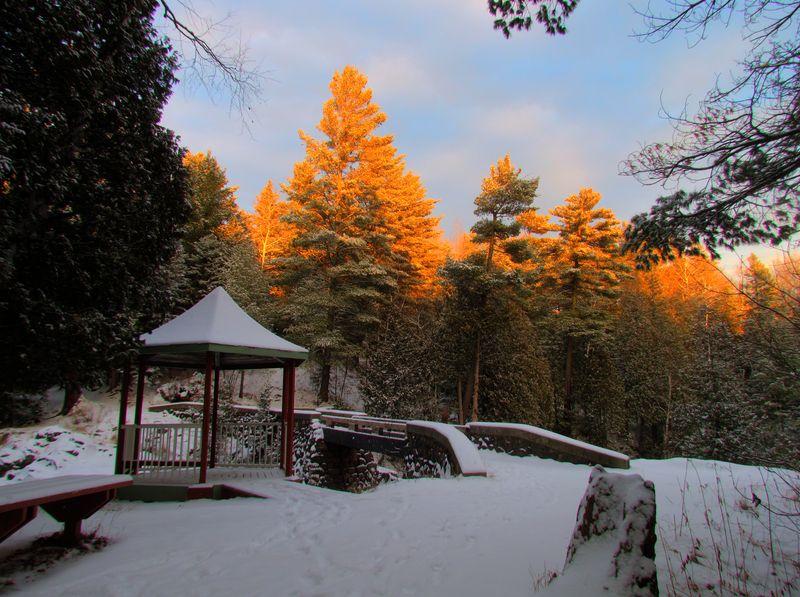 Amity-Snow-Pine-Gazebo
