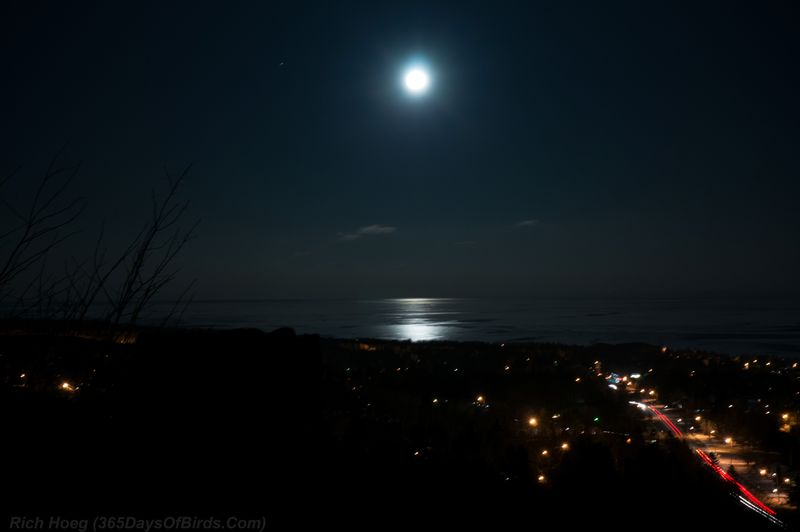 Hawk-Ridge-Night-Bookends-Lake-Superior-Moonrise